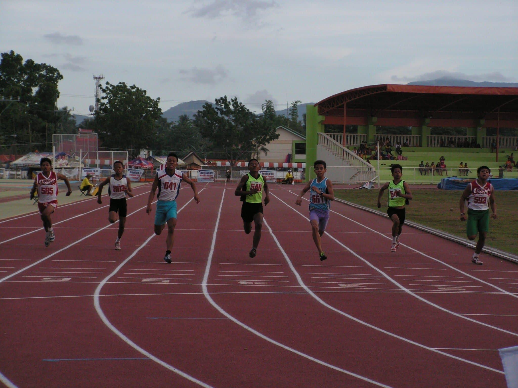 Requillas (641) winning the 200m Elementary Boys