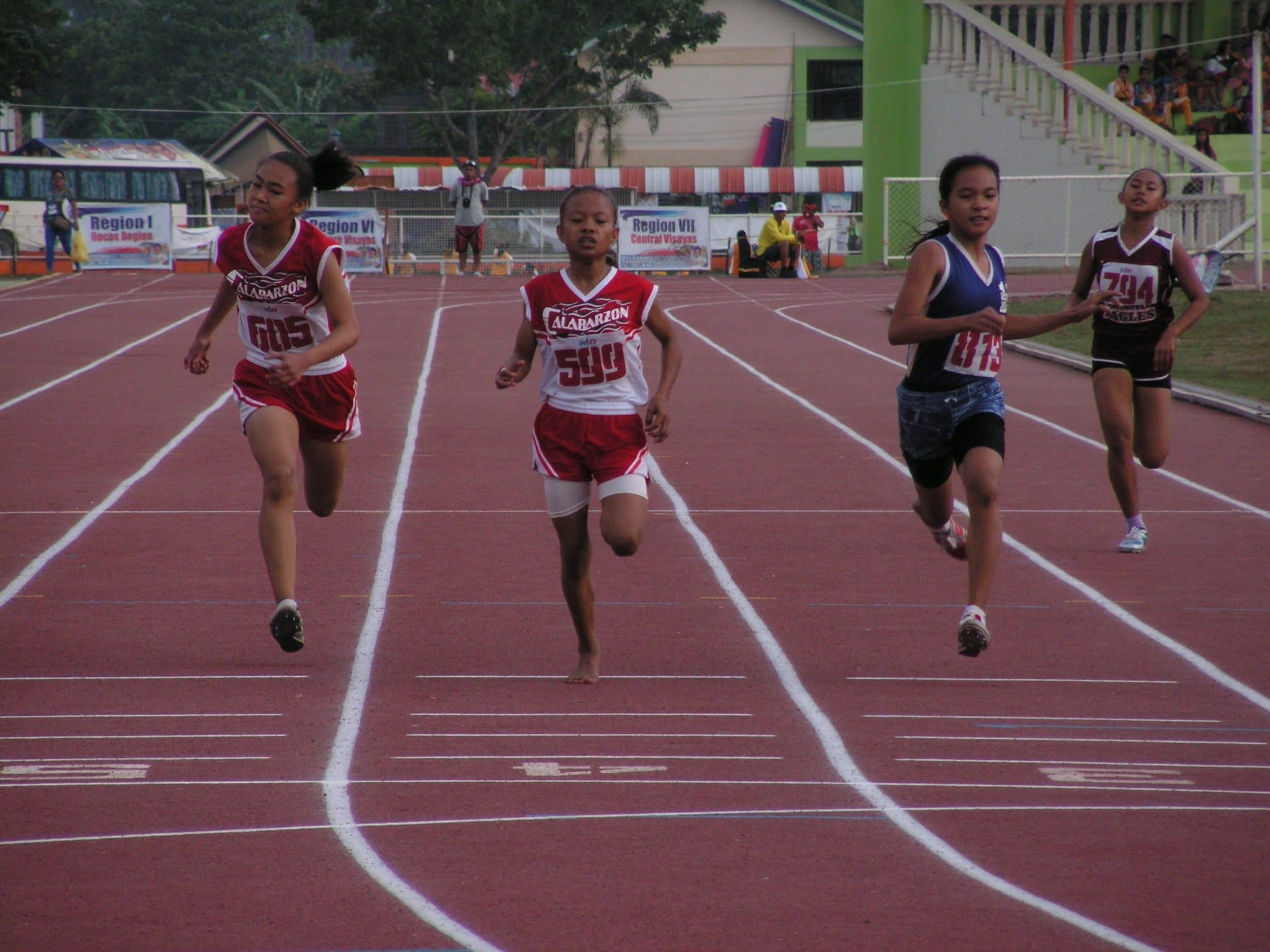 Karyll Clarissa Enrico (599) on her final stretch at the 200m dash