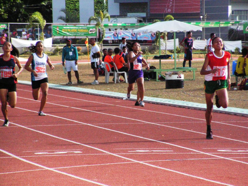 Jessel Lumapas emerging victorious in the 400m secondary girls.