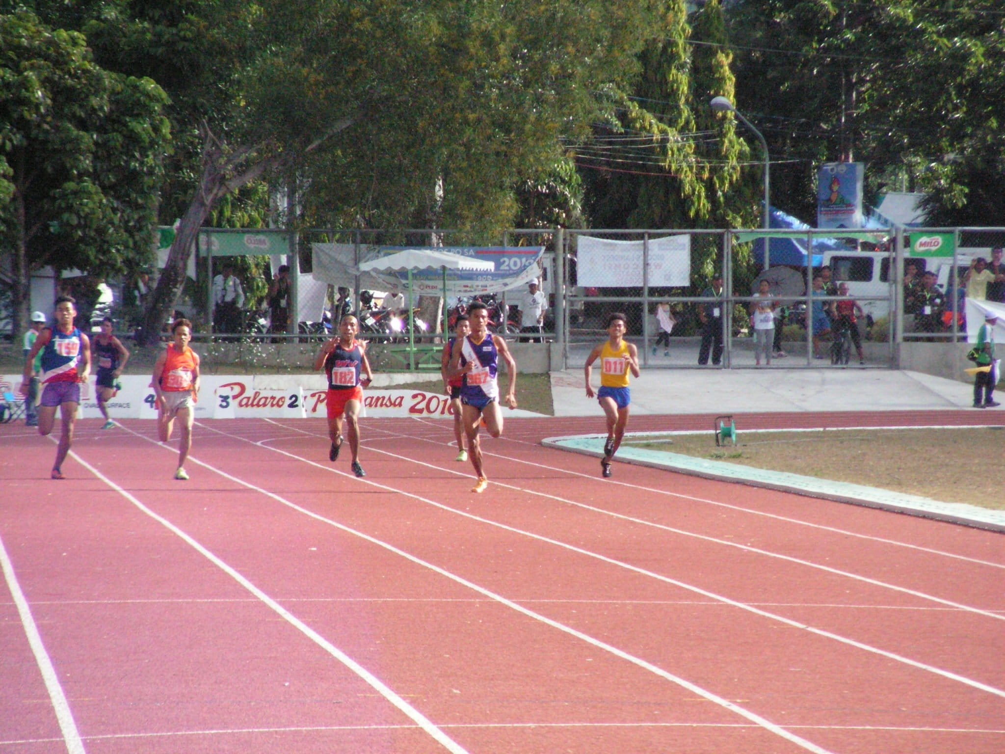 Alejandro and Sulleza face to face in the 400m